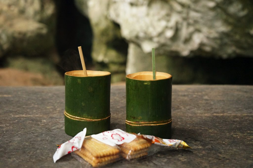 カオラック:竹のコーヒーとお菓子