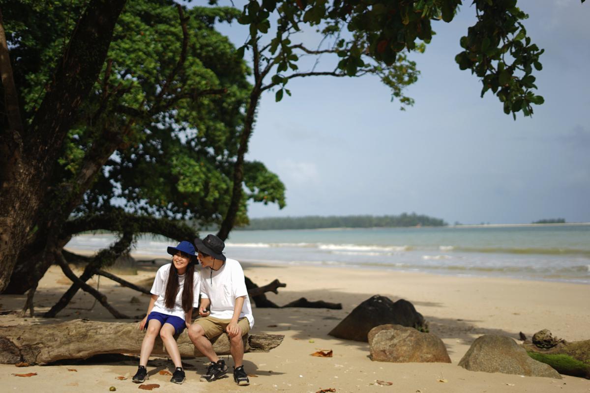 カオラック旅行記:流木の上で