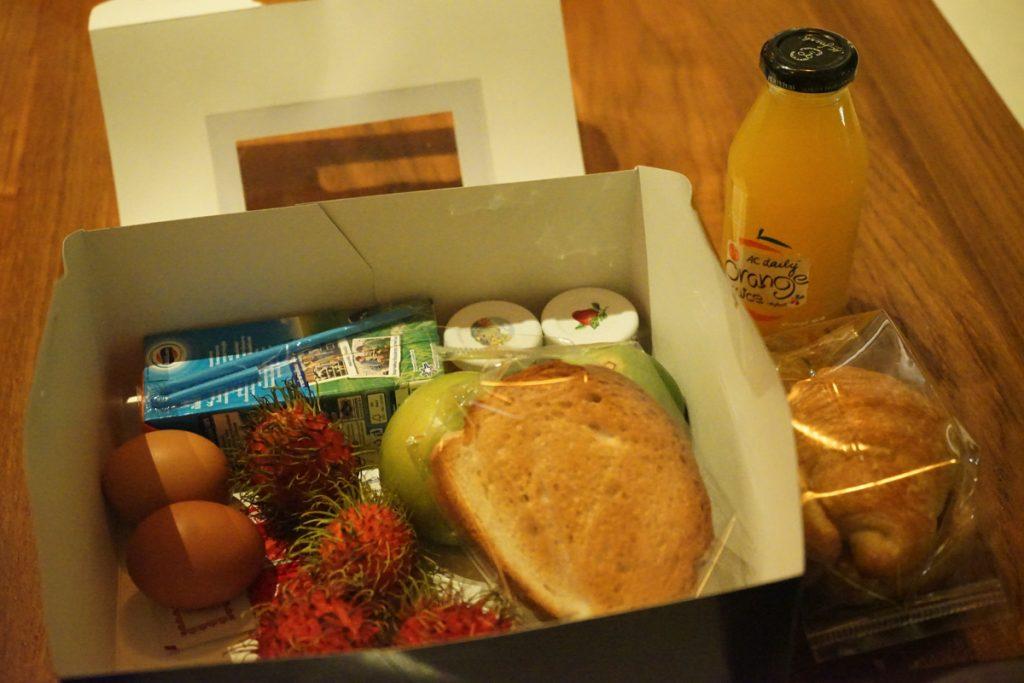 カオラック旅行記:サロジンホテル(The sarojin)の朝食ボックスの中身